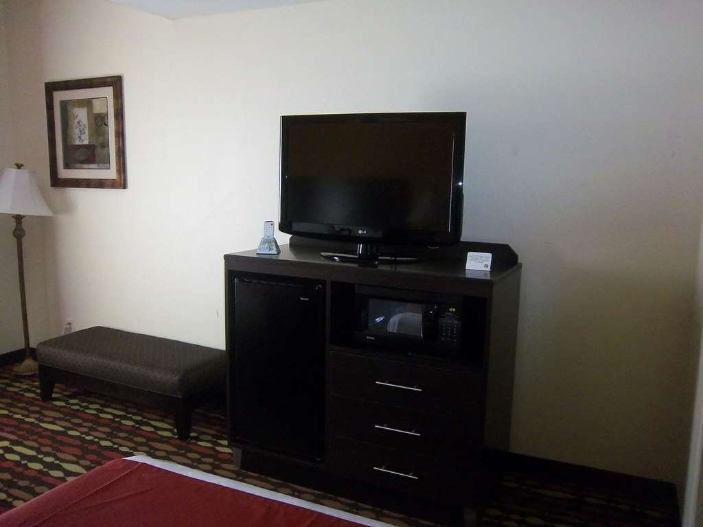 Best Western Greentree Inn & Suites - Our guest rooms and suites include all the amenities of home!