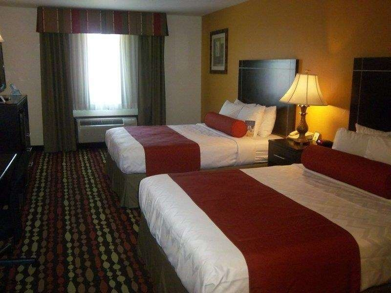 Best Western Greentree Inn & Suites - Give your family a great night of sleep in our comfortable two queen bed guest room.