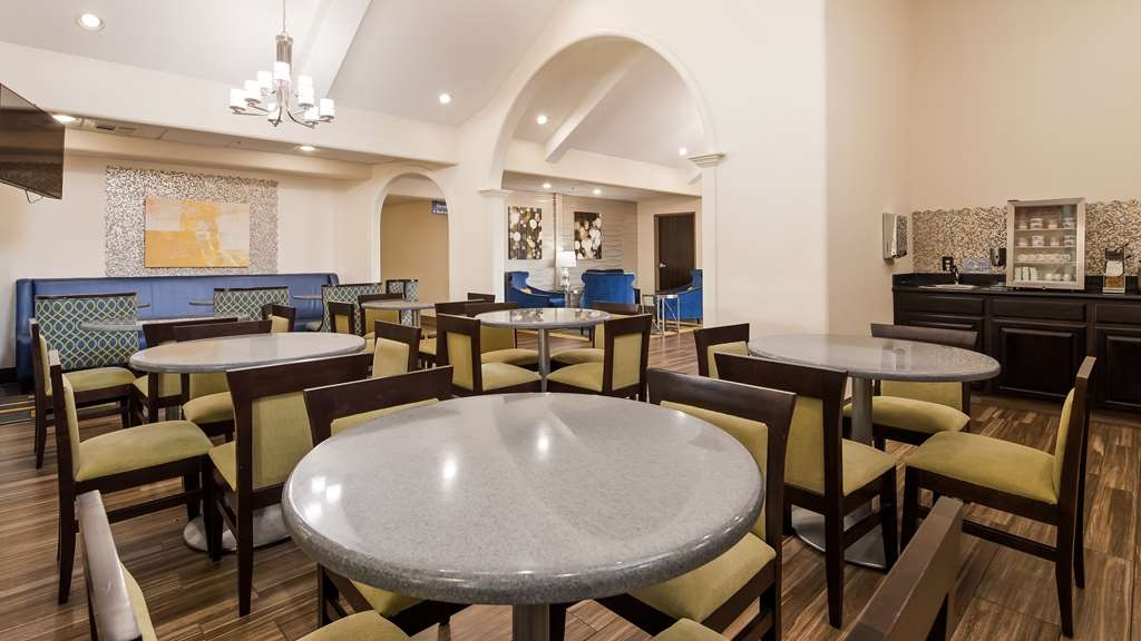 Best Western Plus Tulsa Inn & Suites - Restaurant / Gastronomie