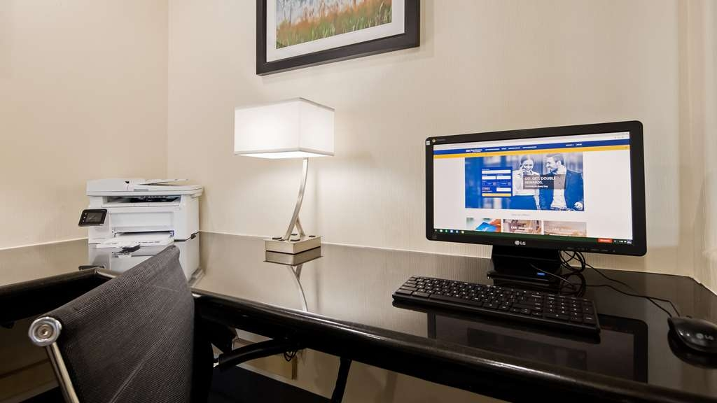 Best Western Plus Tulsa Inn & Suites - affari-centro