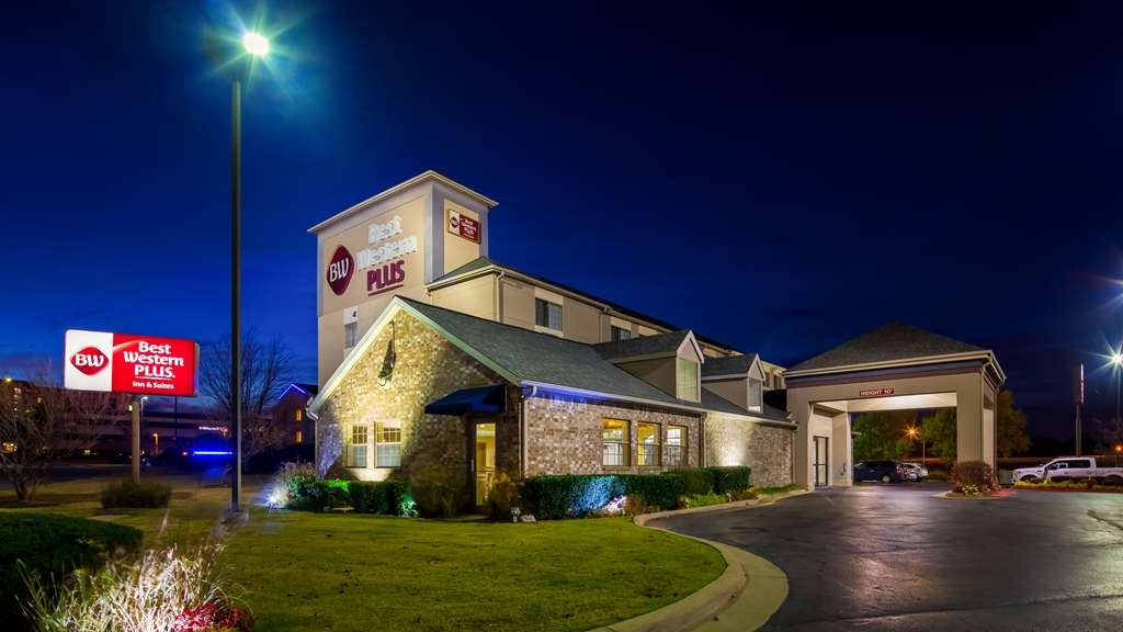 Best Western Plus Tulsa Inn & Suites - Außenansicht
