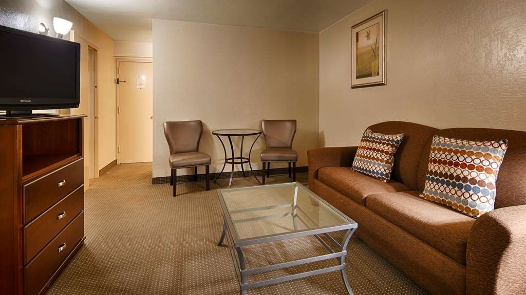 Best Western Plus Lawton Hotel & Convention Center - Suite