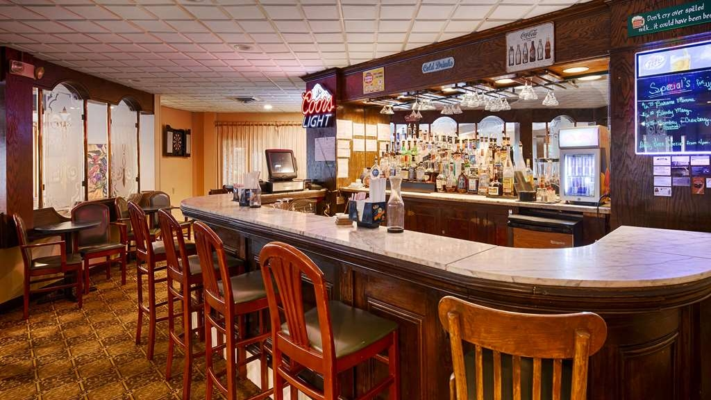 Best Western Plus Lawton Hotel & Convention Center - Bar/Lounge