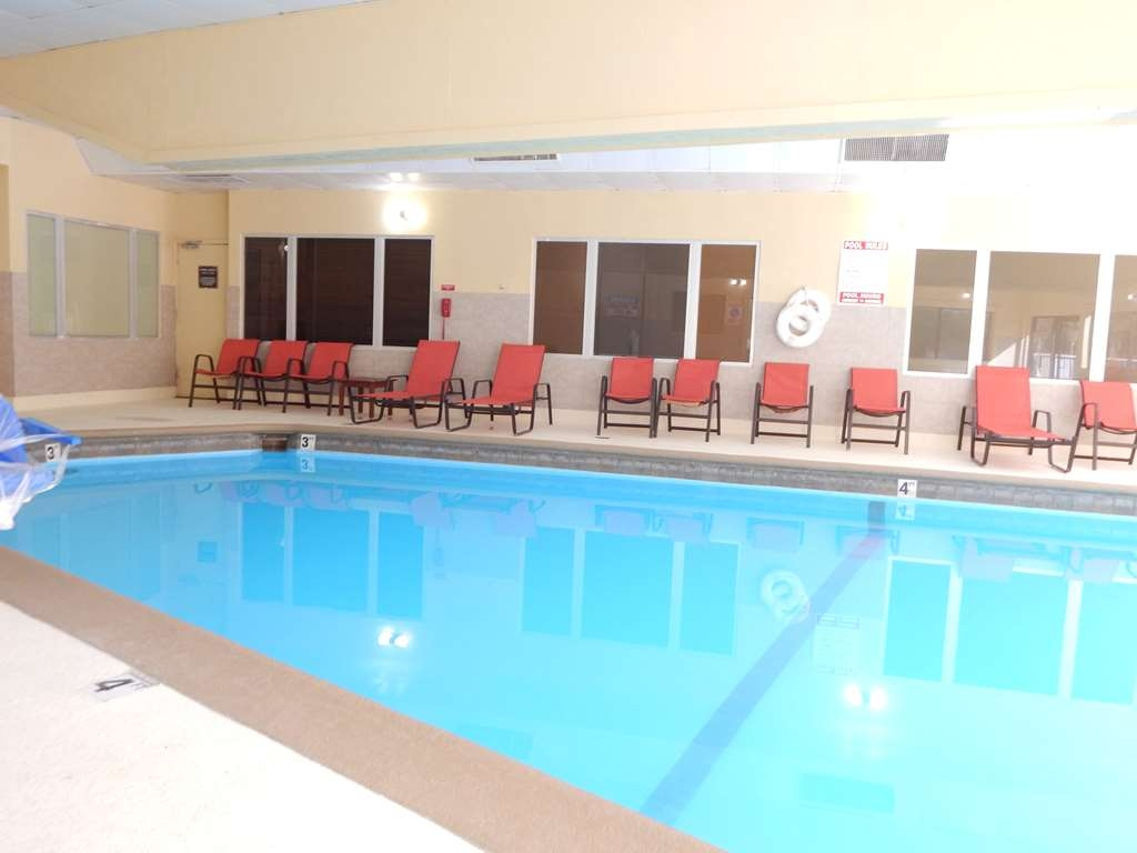 Best Western Plus Lawton Hotel & Convention Center - Outdoor Swimming Pool