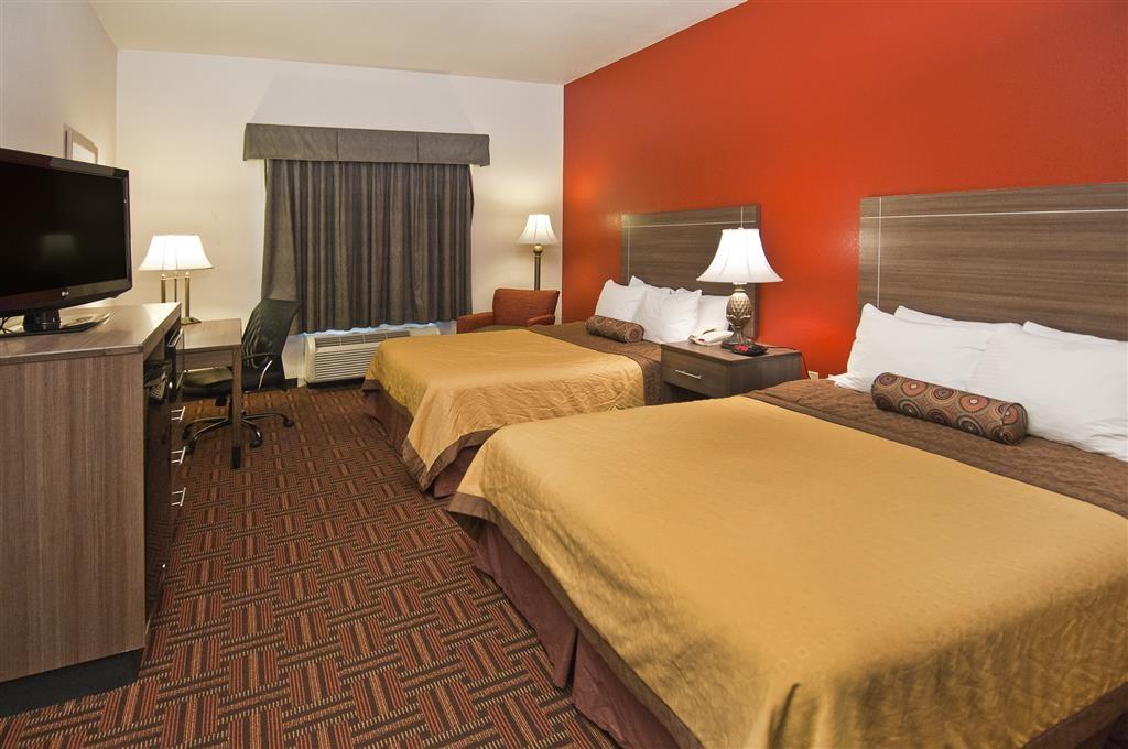 Best Western Plus Memorial Inn & Suites - Habitación con dos camas de matrimonio