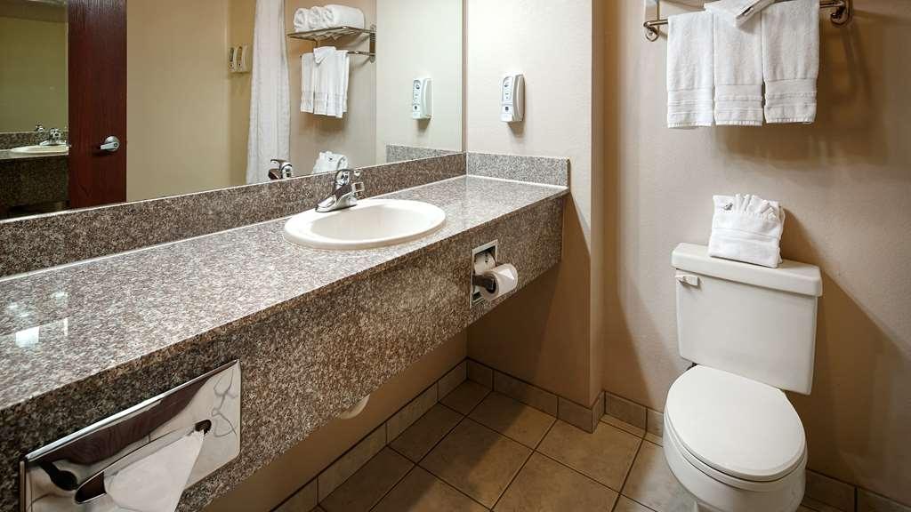 Best Western Plus Memorial Inn & Suites - Baño