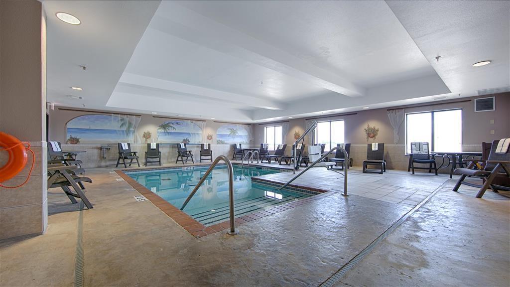 Best Western Plus Memorial Inn & Suites - Piscina