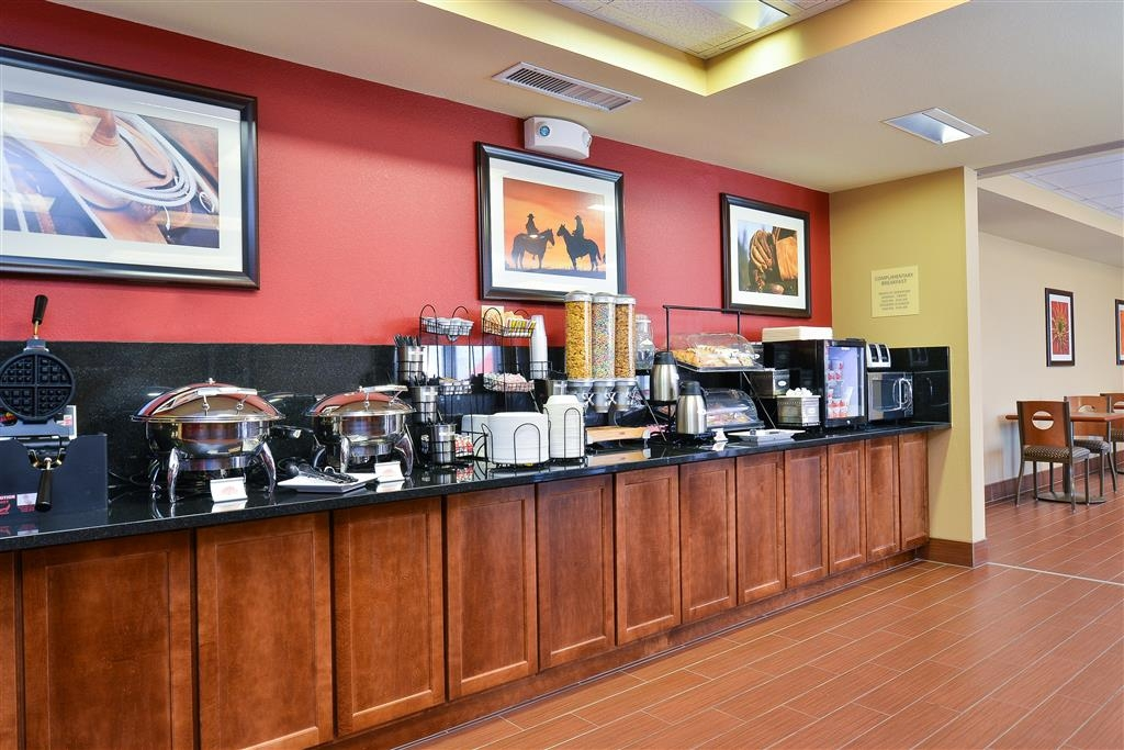 Best Western Blackwell Inn - Start your day with our complimentary hot breakfast featuring pastries, cereal, eggs, biscuits & sausage gravy, fresh waffles and more!