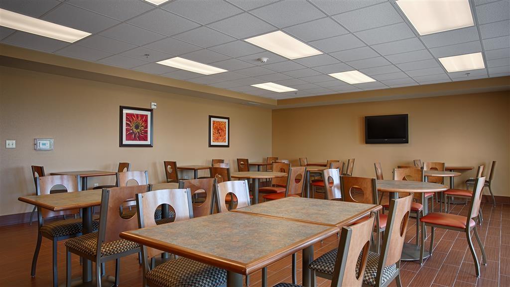 Best Western Blackwell Inn - Breakfast Area
