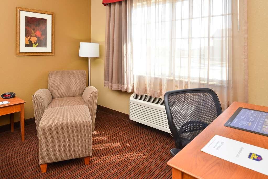 Best Western Blackwell Inn - Guest Room Seating
