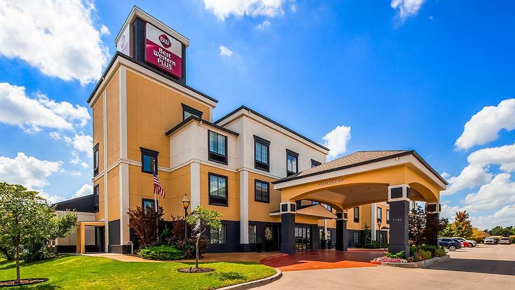 Hotel in Oklahoma City | Best Western Plus Barsana Hotel