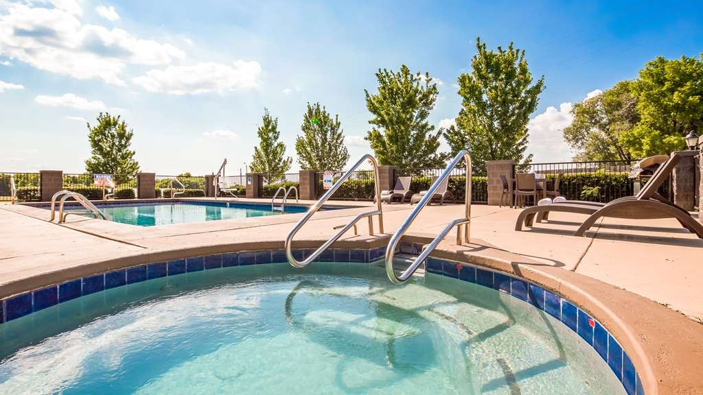 Best Western Locust Grove Inn & Suites - Poolansicht