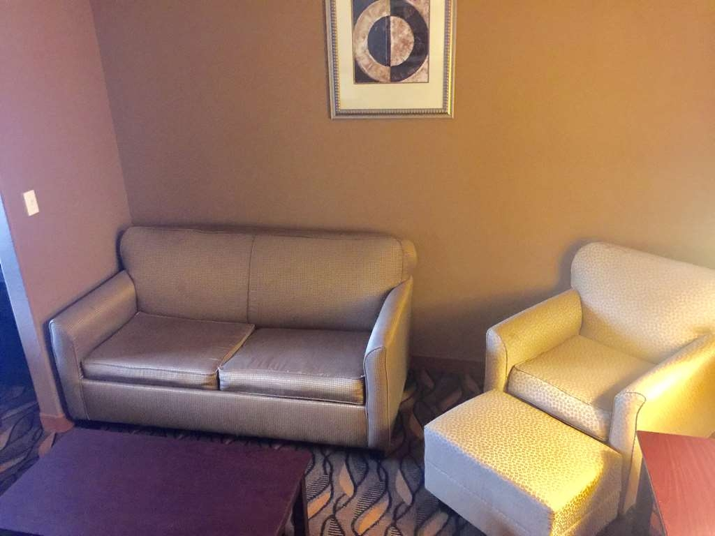 Best Western Red River Inn & Suites - Suite