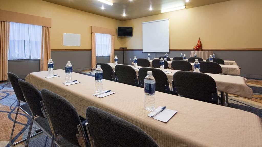 Best Western Plus Guymon Hotel & Suites - Sala de reuniones
