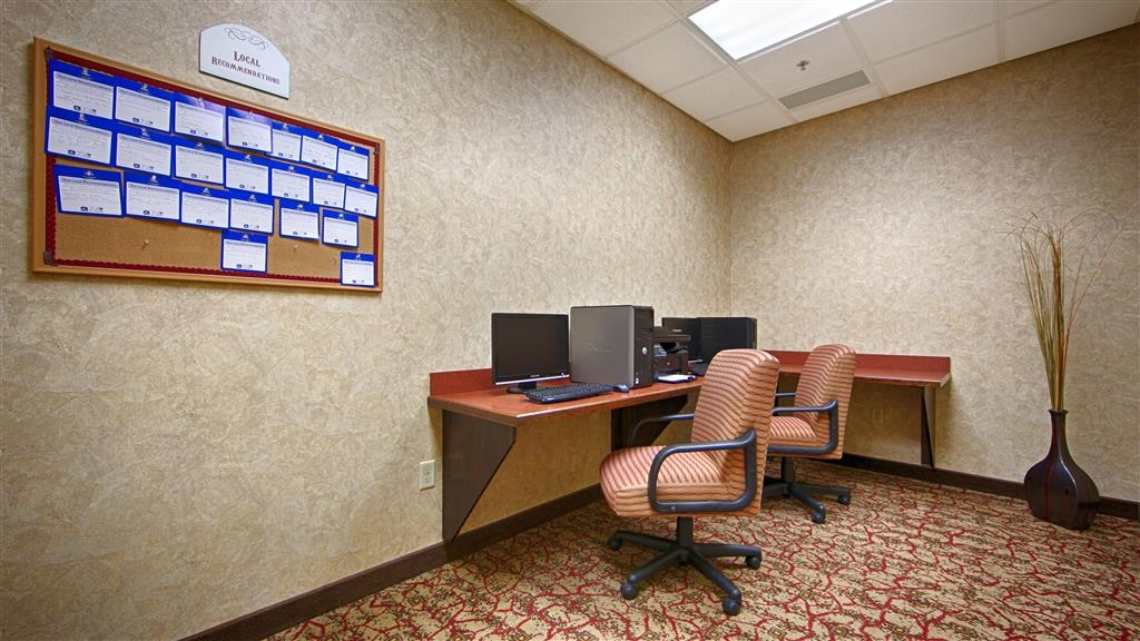 Best Western Plus Cimarron Hotel & Suites - Our 24-hour Business Center is the perfect place to print off boarding passes, conference itineraries, or browse the web.