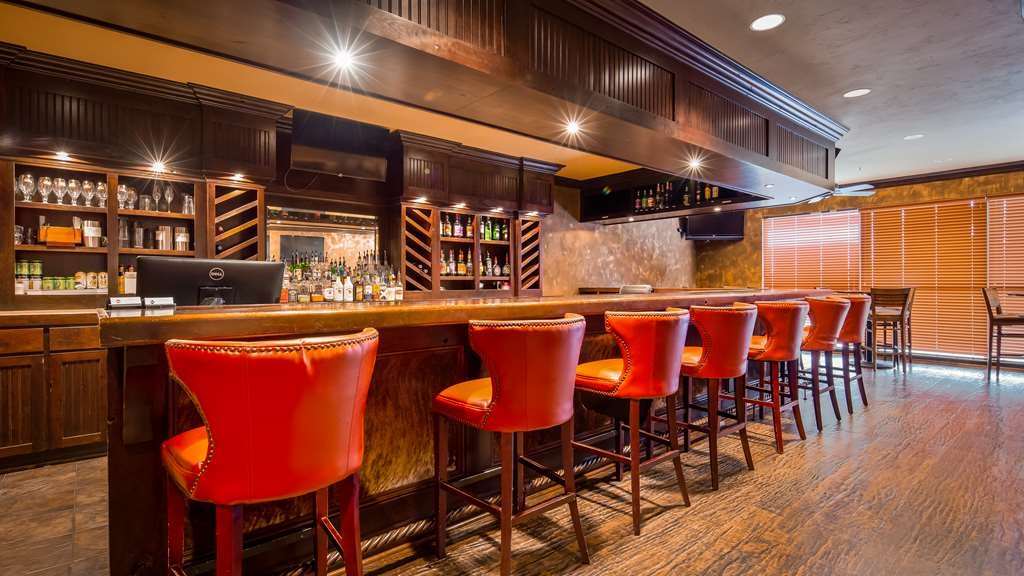 Best Western Plus Cimarron Hotel & Suites - Bar/Salón