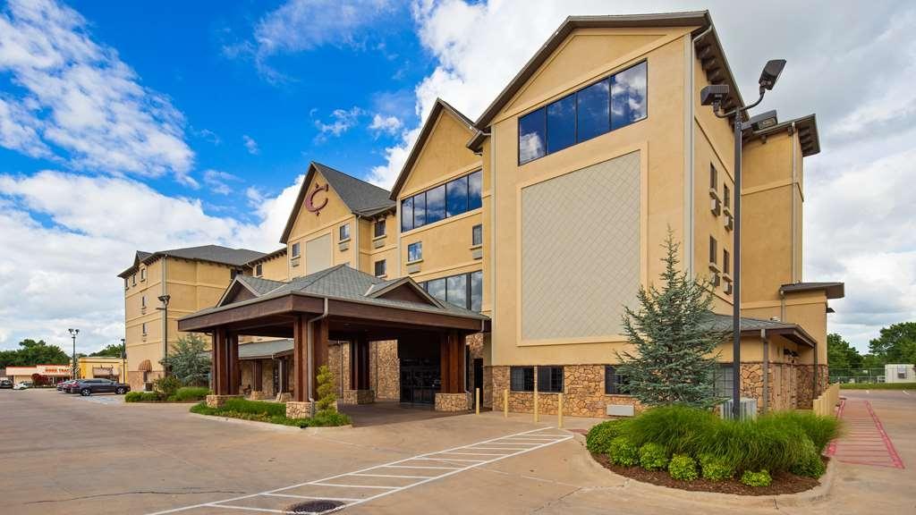 Best Western Plus Cimarron Hotel & Suites - Vista Exterior