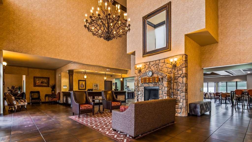 Best Western Plus Cimarron Hotel & Suites - Vista del vestíbulo