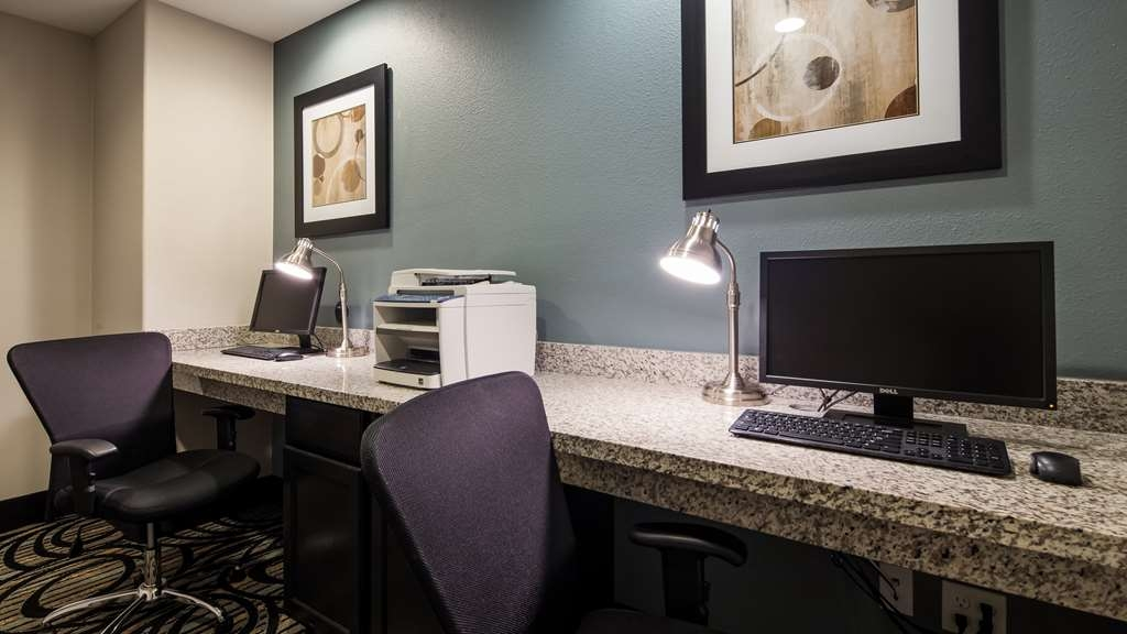 Best Western Plus Sand Bass Inn & Suites - Business Center