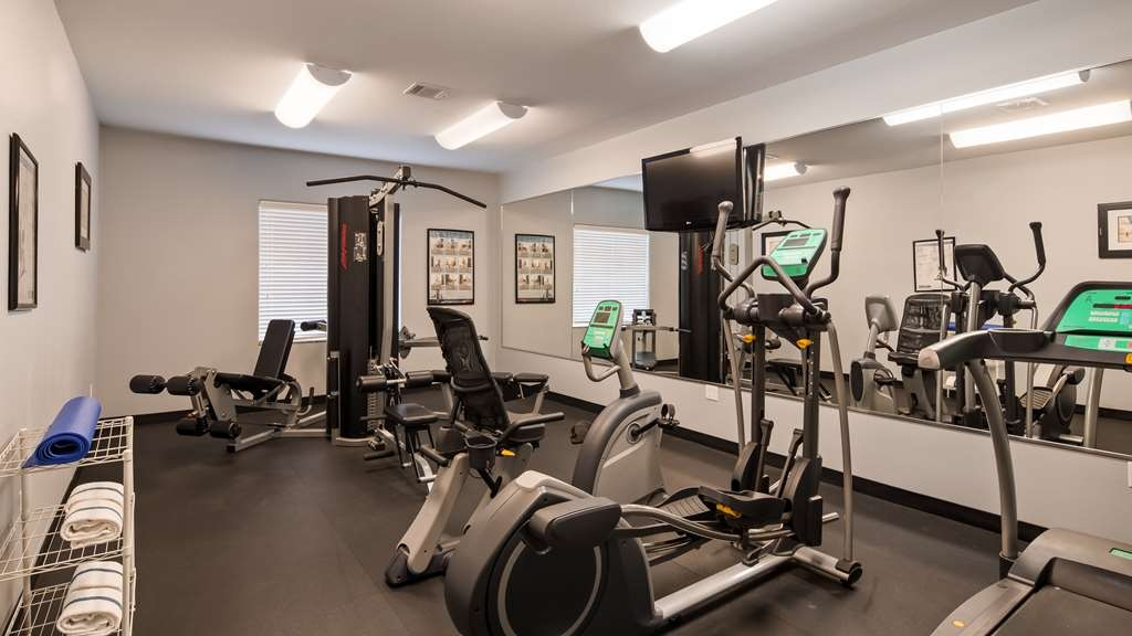 Best Western Plus Sand Bass Inn & Suites - Fitness Center