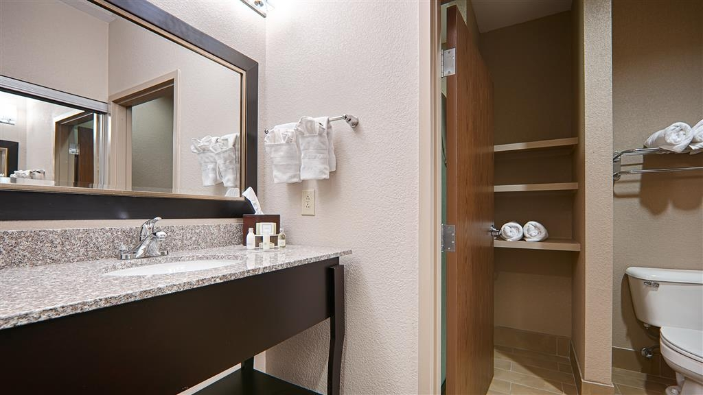 Best Western Plus Cushing Inn & Suites - Bath