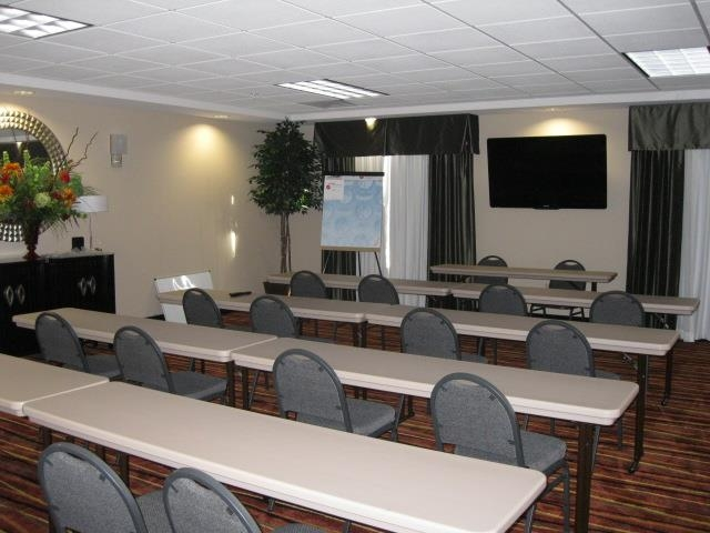 Best Western Plus Cushing Inn & Suites - Meeting Room