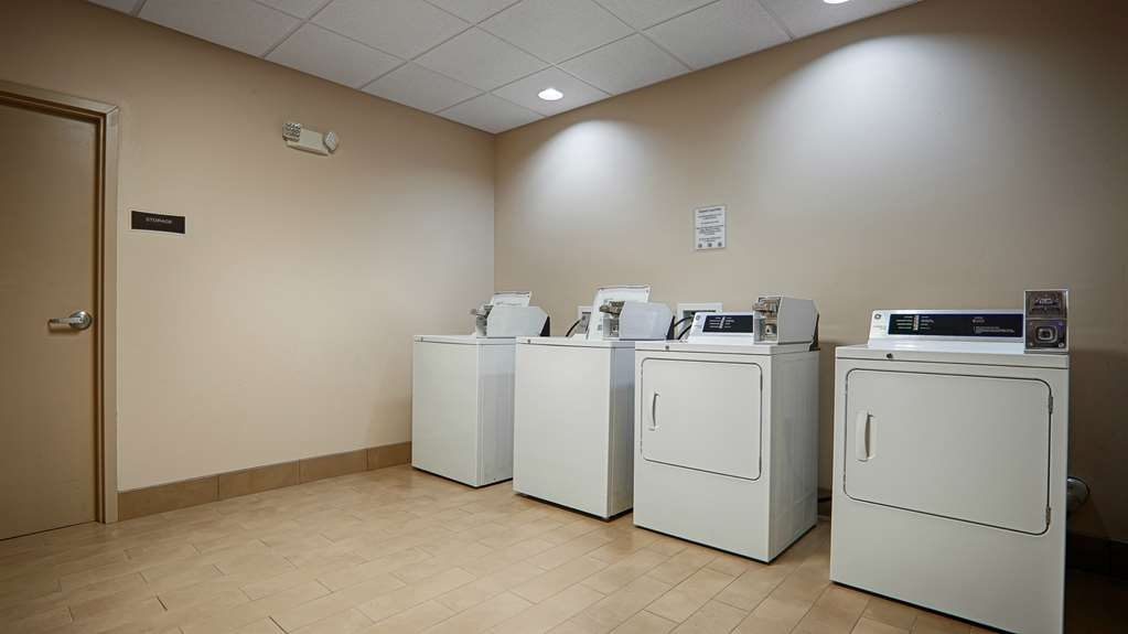 Best Western Plus Cushing Inn & Suites - Guest Laundry