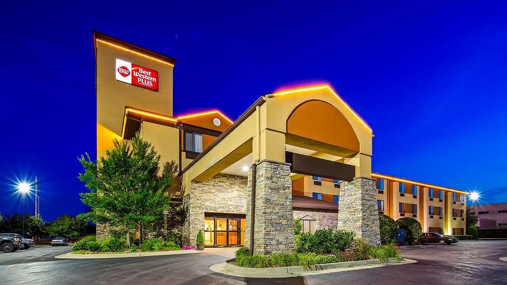 Best Western Plus Woodland Hills Hotel & Suites - Area esterna