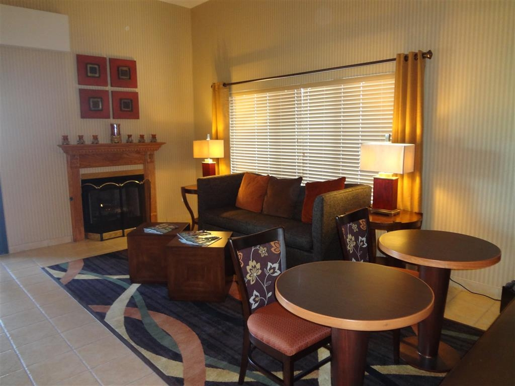 Best Western Plus Woodland Hills Hotel & Suites - Find a comfortable chair to chat with friends or flip through a magazine in our cozy lobby.