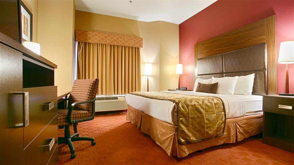 Best Western Plus Woodland Hills Hotel & Suites - Our king room will meet your every need.