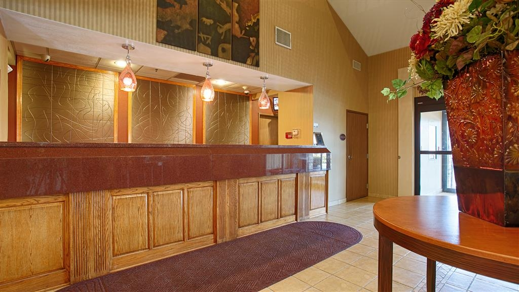 Best Western Plus Woodland Hills Hotel & Suites - Whether you're hear for business or leisure, our staff is committed to giving you an enjoyable stay.