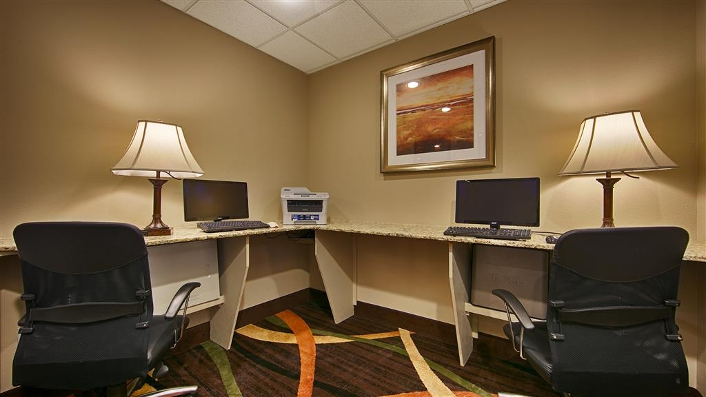 Best Western Plus Woodland Hills Hotel & Suites - Free high-speed Internet and printer capabilities are available for you in our business center.