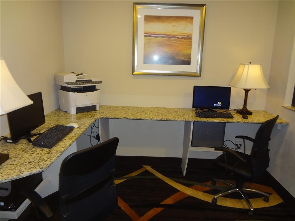 Best Western Plus Woodland Hills Hotel & Suites - Never miss a beat while on the road with complimentary free high-speed Internet in our business center.
