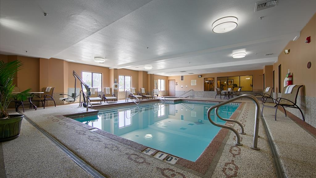 Best Western Plus Woodland Hills Hotel & Suites - Our indoor heated pool is open daily from 10:00 a.m. to 10:00 p.m.