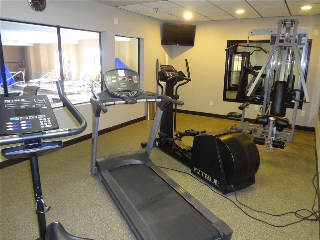 Best Western Plus Woodland Hills Hotel & Suites - Our fitness center is open from 6AM to 10PM for your convenience.