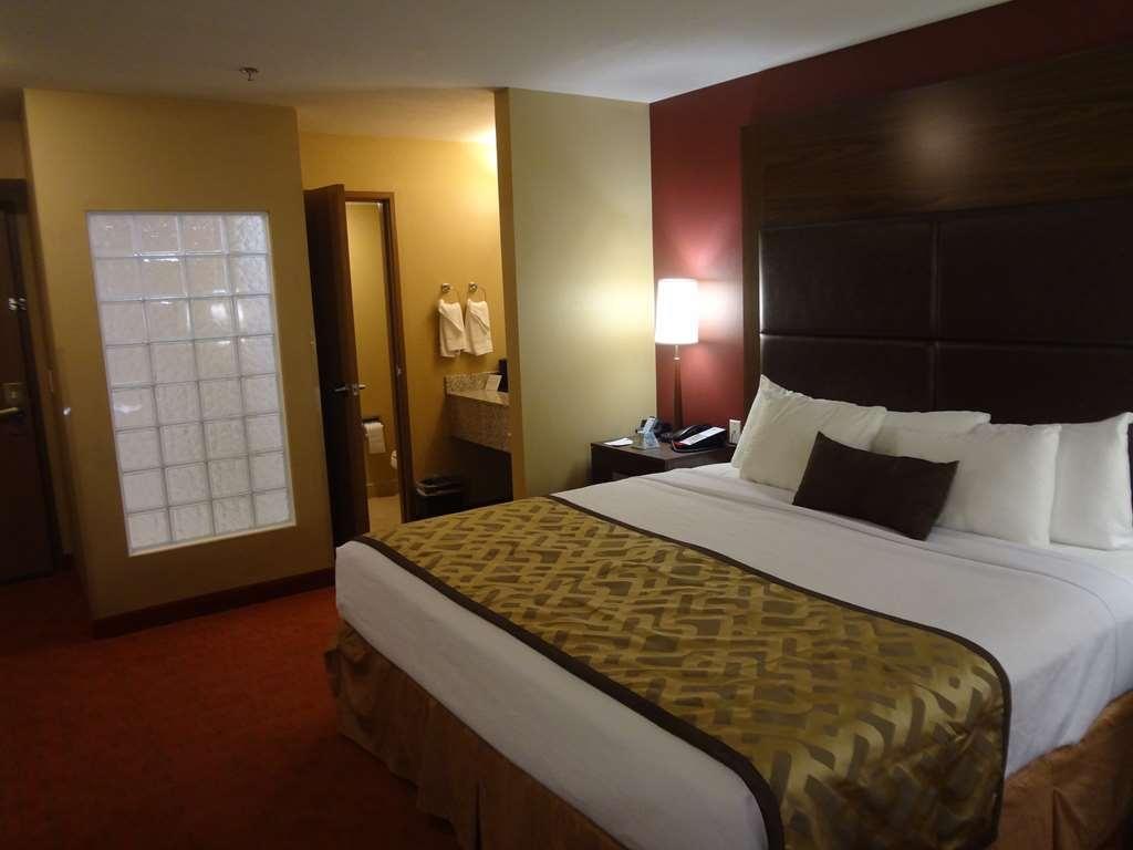 Best Western Plus Woodland Hills Hotel & Suites - Camere / sistemazione