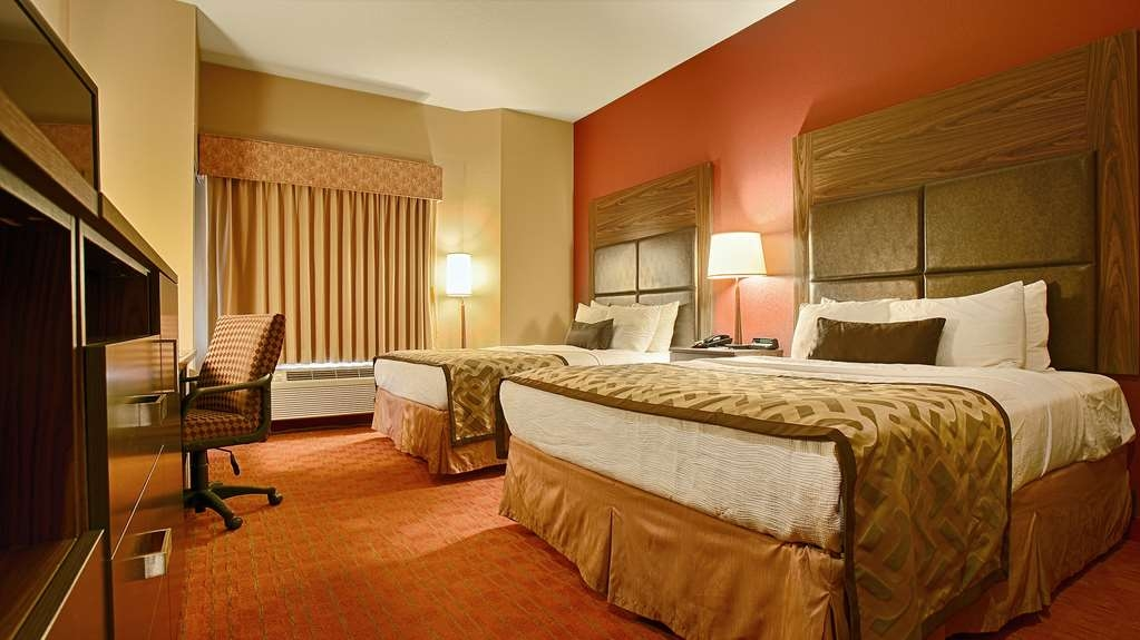 Best Western Plus Woodland Hills Hotel & Suites - Suite