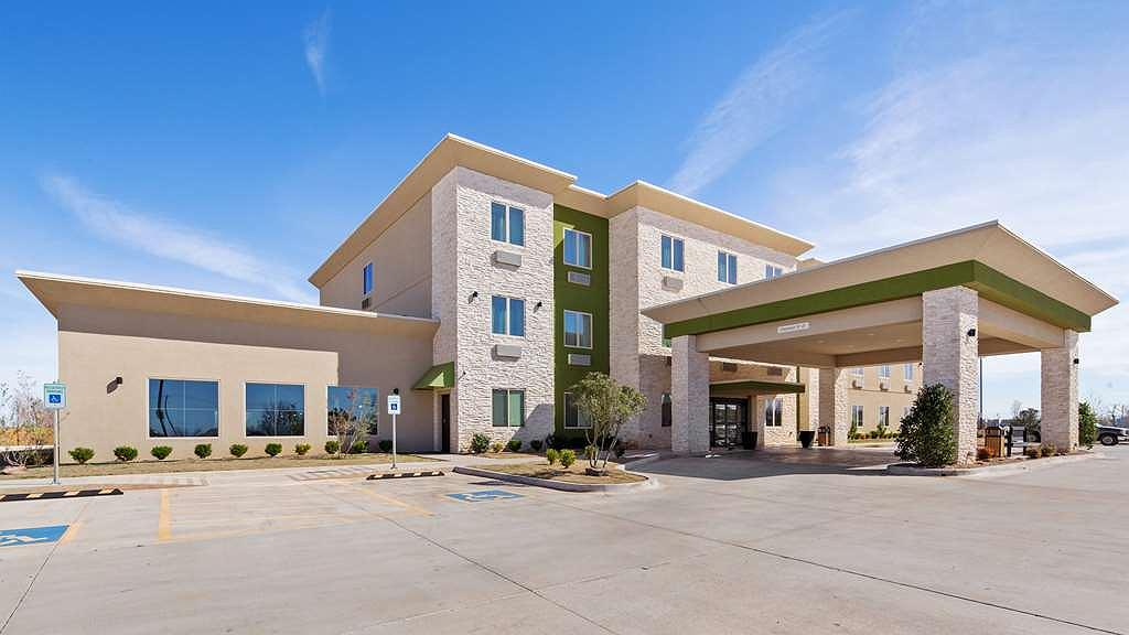 Best Western Lindsay Inn & Suites - Facciata dell'albergo
