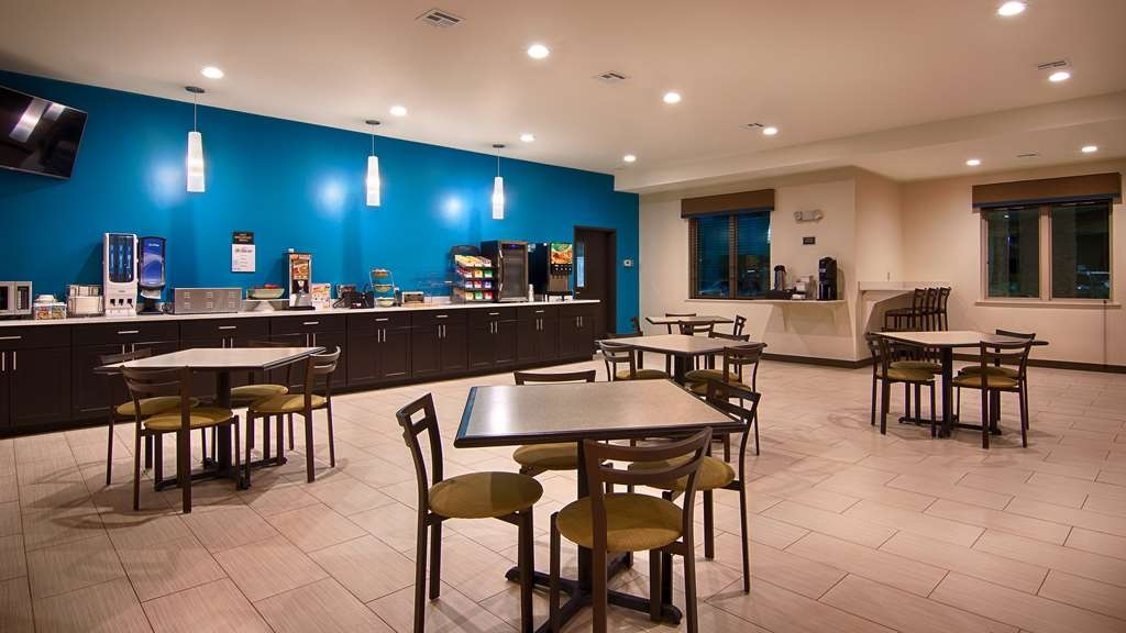 Best Western Lindsay Inn & Suites - Le petit déjeuner buffet