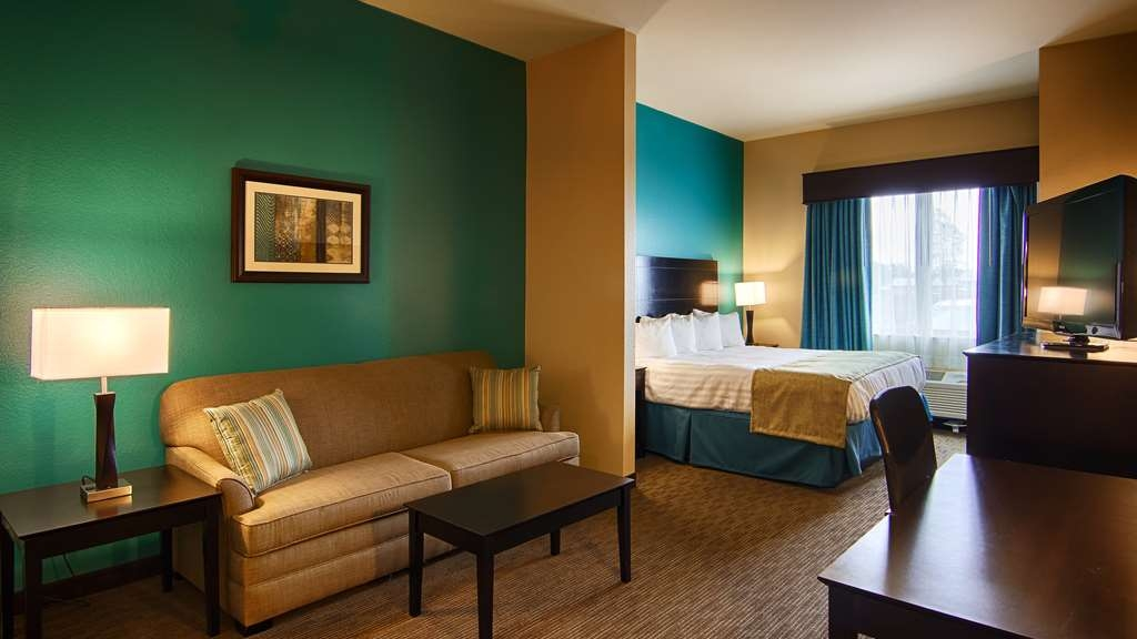 Best Western Lindsay Inn & Suites - We offer a variety of king rooms from standard to suites to mobility accessible.