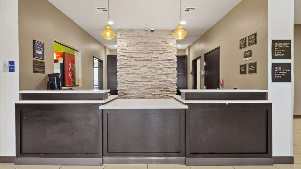 Best Western Lindsay Inn & Suites - Hall
