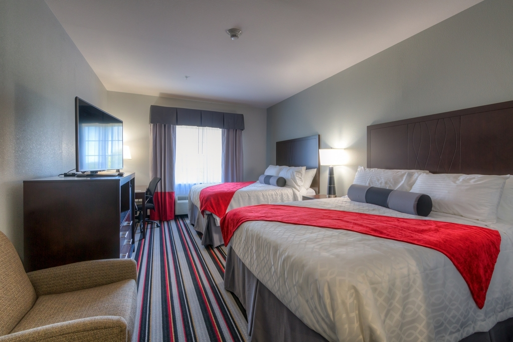 Best Western Plus Coweta's 1st Hotel - Bringing the family along make a reservation on our double queen room.