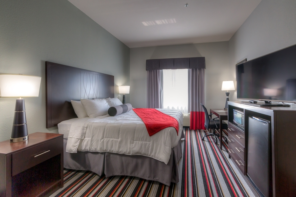 Best Western Plus Coweta's 1st Hotel - We offer a variety of king rooms from standard, mobility accessible, suites and kitchenettes.
