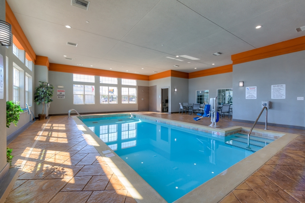 Best Western Plus Coweta's 1st Hotel - Our indoor pool is the perfect place to swim some early morning laps or enjoy an afternoon dip.