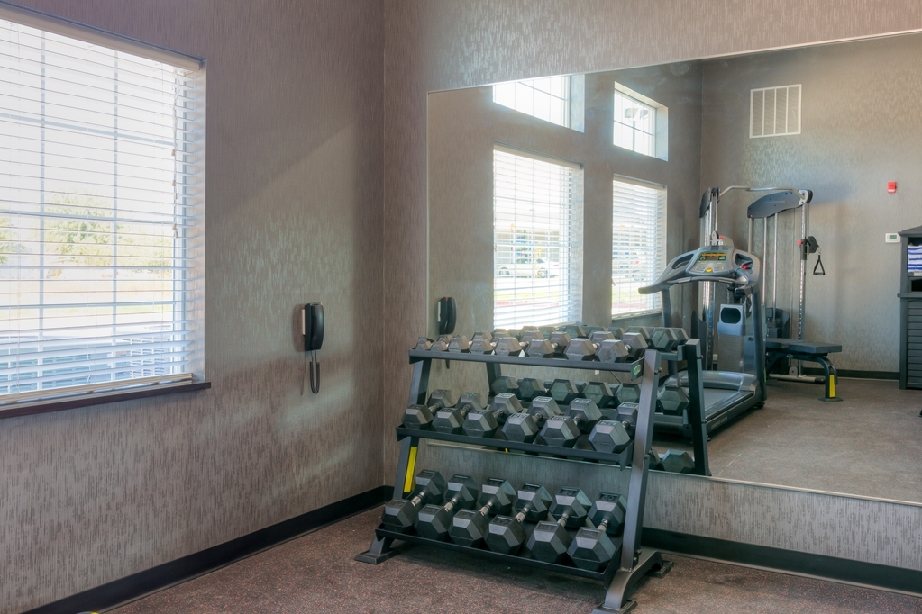 Best Western Plus Coweta's 1st Hotel - Fit a workout into your busy day during your stay with the convenience of our 24-hour fitness center.