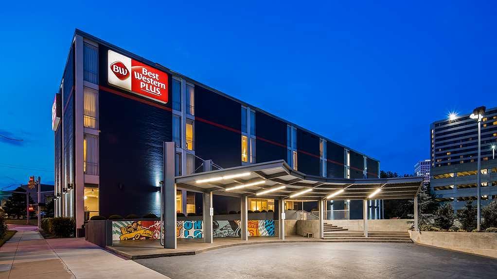 Best Western Plus Downtown Tulsa/Route 66 Hotel - Facciata dell'albergo