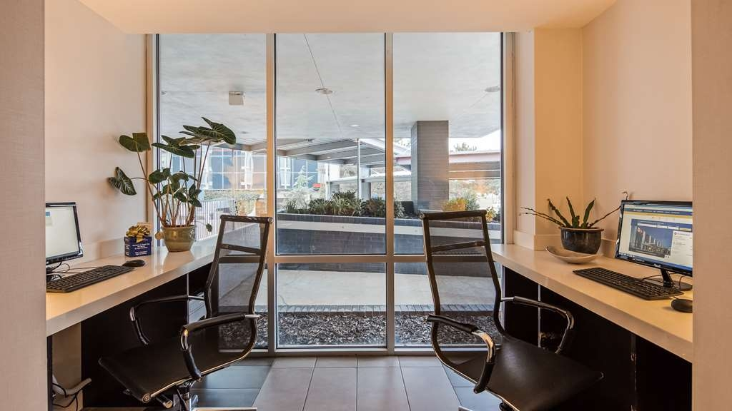 Best Western Plus Downtown Tulsa/Route 66 Hotel - Business Center