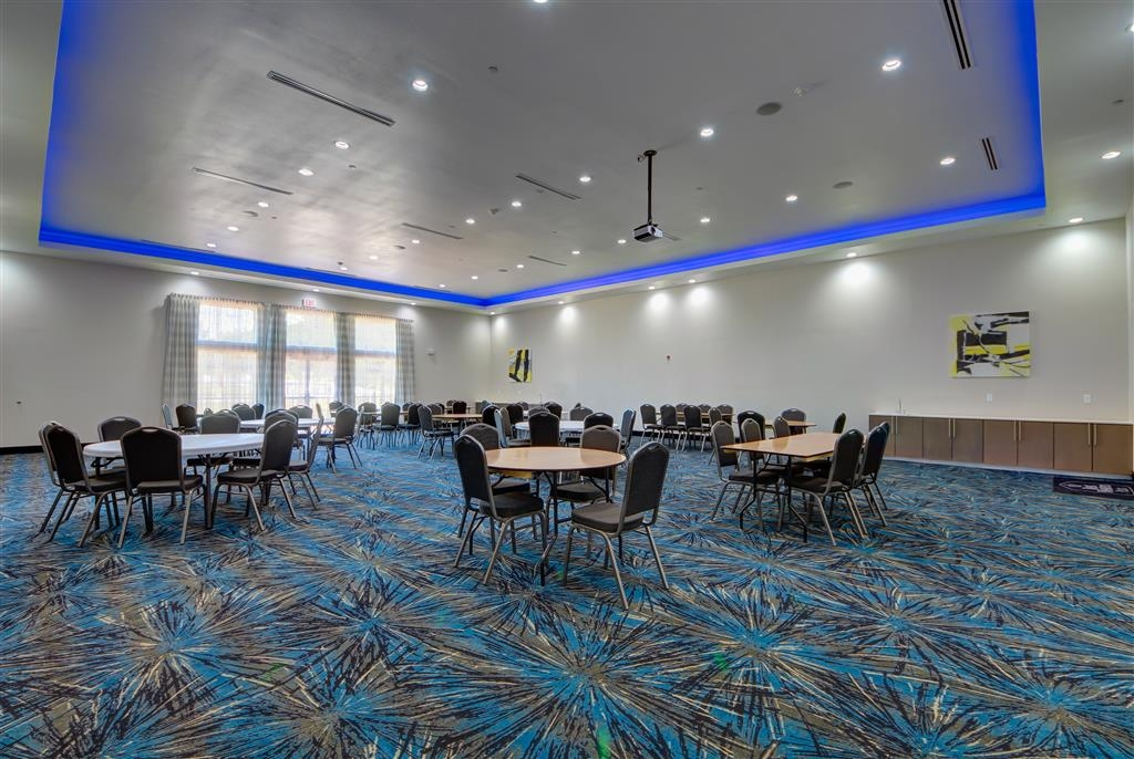 Best Western Plus The Inn & Suites at Muskogee - Our professional staff is here to go above and beyond your expectations to ensure your meeting is perfect.