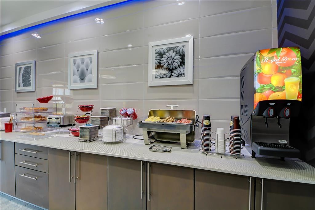 Best Western Plus The Inn & Suites at Muskogee - Enjoy the most important meal of the day in our breakfast area.
