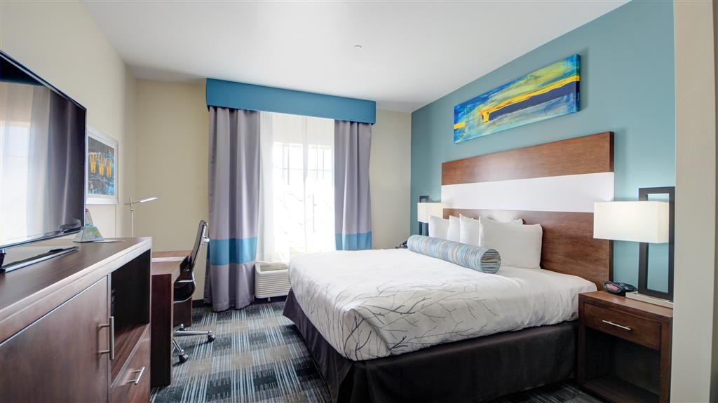Best Western Plus The Inn & Suites at Muskogee - Upgrade yourself to our king suite for added comfort during your stay.